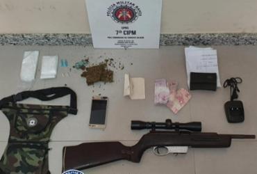 Casal é preso por suspeita de tráfico de drogas na cidade de Eunápolis