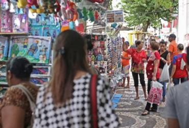 Desembargador suspende retirada de ambulantes do centro de Feira de Santana