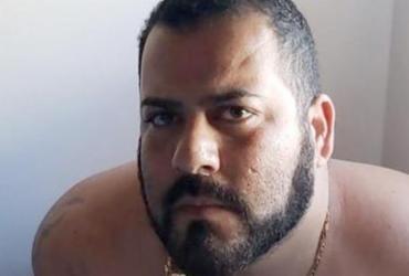 Pai que roubou doações de filho com doença rara vai para prisão domiciliar |