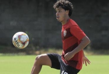 Recuperado de lesão, Alisson Farias participa de treinamento na Toca do Leão   Letícia Martins   EC Vitória