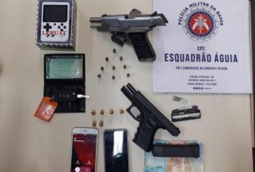 Homem e adolescente são flagrados com pistolas durante blitz em Cajazeiras | Divulgação | SSP