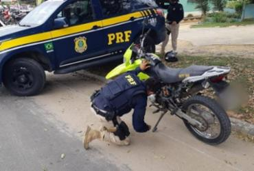 Homem é preso sem habilitação e com moto roubada em Eunápolis