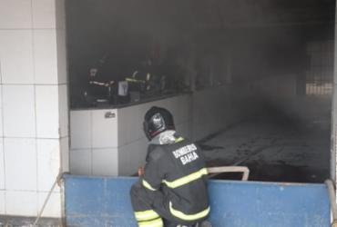 Incêndio atinge loja de autopeças na Av. São Cristóvão   Divulgação   CBM-BA