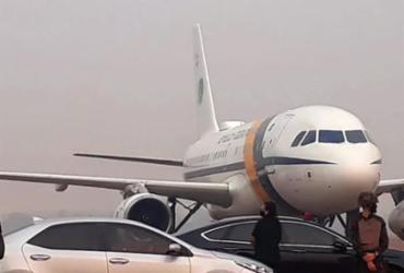 Fumaça de queimadas faz avião de Bolsonaro arremeter no Mato Grosso | Reprodução | Só Notícias