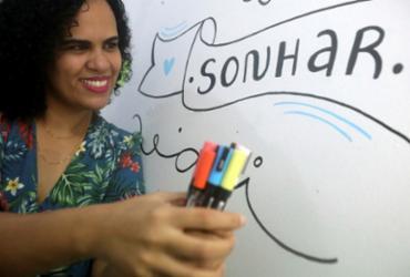 O encanto do lettering | Felipe Iruatã | Ag. A TARDE