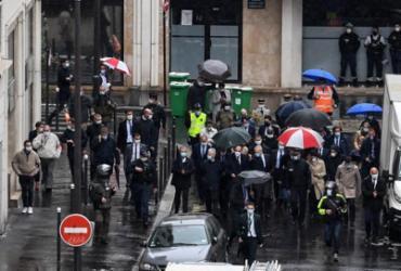 Suspeito de ataque com faca em Paris confessa que agiu contra Charlie Hebdo | Alain Jocard | AFP