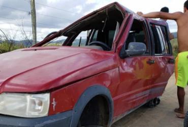 Duas pessoas ficam gravemente feridas após acidente no interior de Teixeira de Freitas