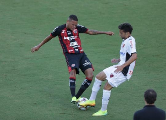 Vitória vence Oeste de virada no Barradão | Adilton Venegeroles | Ag. A TARDE