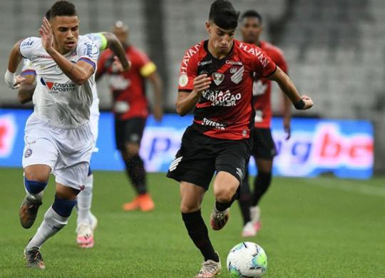 Bahia perde a quarta seguida e segue no Z-4 | Athletico-PR | Divulgação