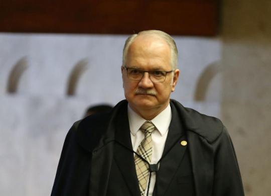 """Fachin vê indícios de """"execução arbitrária"""" em operação policial no RJ   José Cruz   Agência Brasil   20.9.2017"""