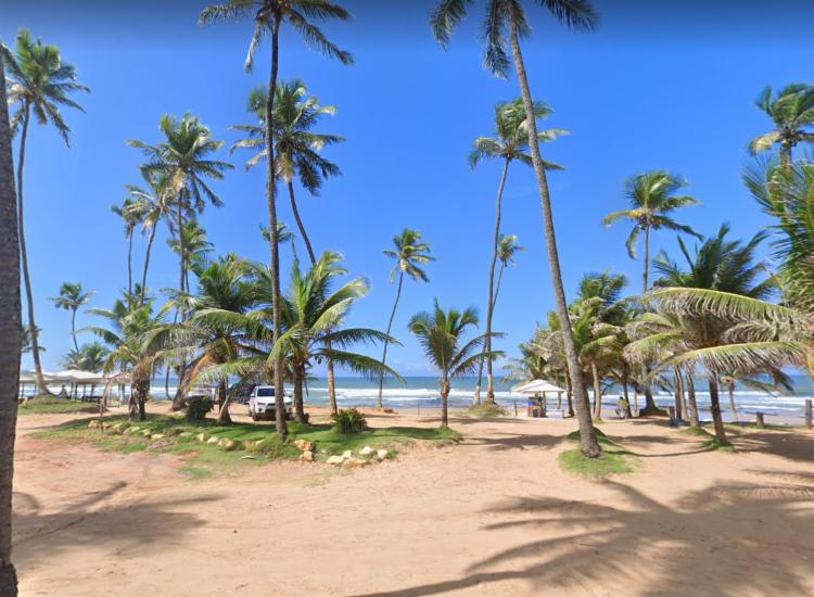 Caso aconteceu na Praia do Flamengo, em Salvador   Foto: Reprodução   Google Street View - Foto: Reprodução   Google Street View