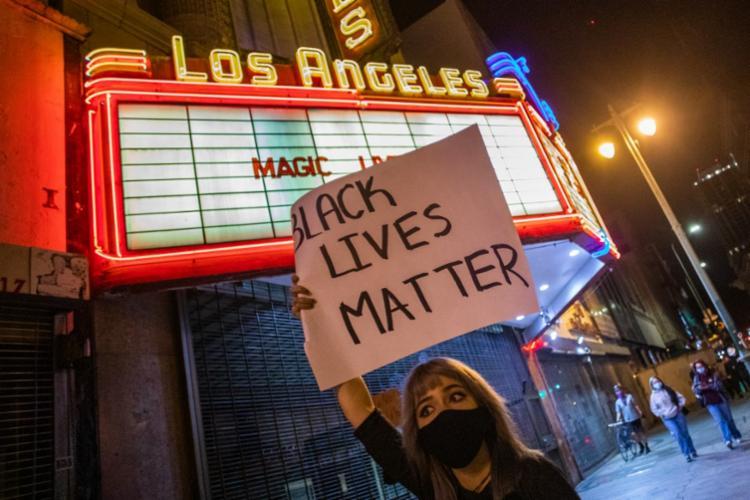 Protestos se espalharam por várias cidades, como Nova York, Washington e Los Angeles | Foto: Apu Gomes | AFP - Foto: Apu Gomes | AFP