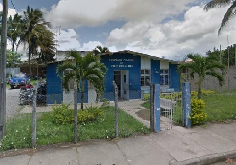 Os crimes foram registrados na delegacia de Cruz das Almas | Foto: Reprodução | Google Street View - Foto: Reprodução | Google Street View