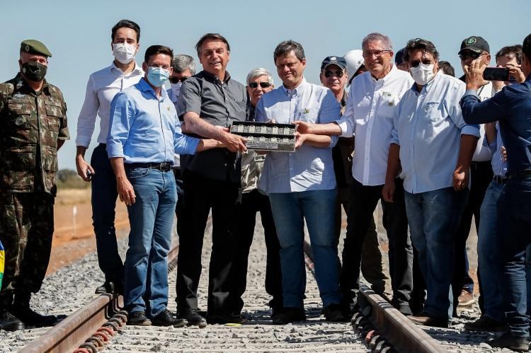 Presidente esteve em São Desidério, onde assinou termo de parceria com o Exército para obras da ferrovia / Foto: Twitter / Ministério da Infraestrutura - Foto: Twitter / Ministério da Infraestrutura