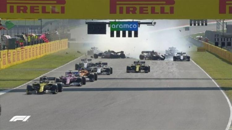Corrida foi a segunda seguida com bandeira vermelha | Foto: Reprodução | Twitter F1 - Foto: Reprodução | Twitter F1