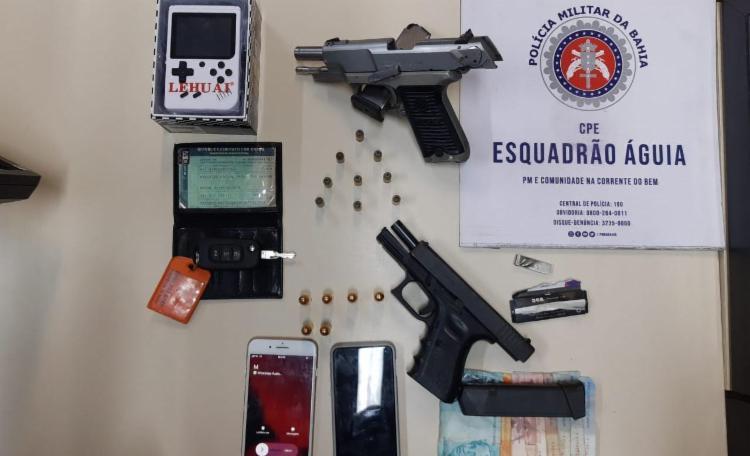 Duas pistolas de fabricação estrangeira foram encontradas com a dupla | Foto: Divulgação | SSP - Foto: Divulgação | SSP