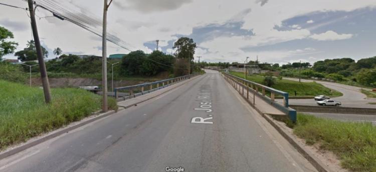 Corpo foi encontrado no viaduto do bairro de Valéria | Foto: Reprodução | Google Street View - Foto: Reprodução | Google Street View