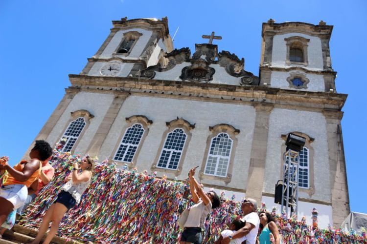 Três candidatos a prefeitod e Salvador escolheram a Igreja do Bonfim para iniciar suas campanhas - Foto: Divulgação