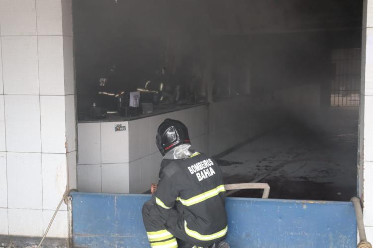 Incêndio foi registrado na manhã desta segunda | Foto: Divulgação | CBM-BA - Foto: Divulgação | CBM-BA