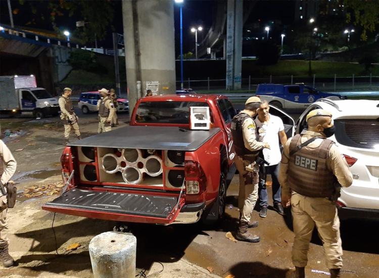 Fiscalização apreendeu 170 equipamentos de som que estavam sendo usados de forma irregular - Foto: Divulgação   Secom