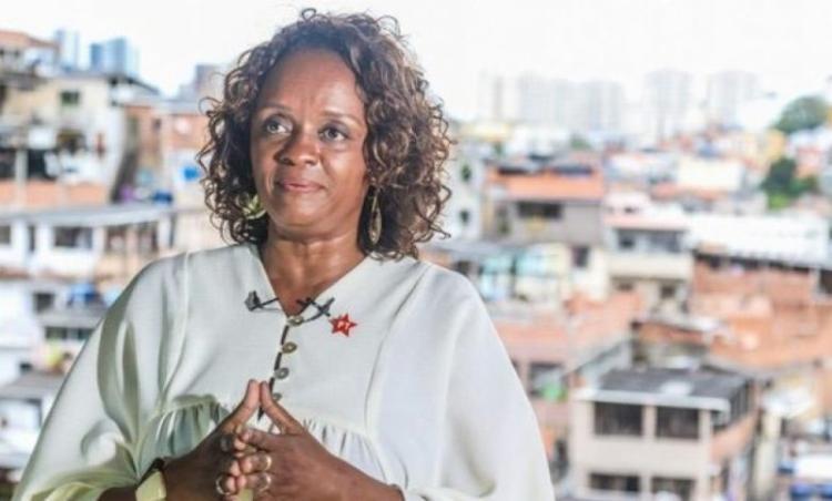 A candidata informa que medidas jurídicas serão tomadas   Foto: Mila Cordeiro - Foto: Foto: Mila Cordeiro