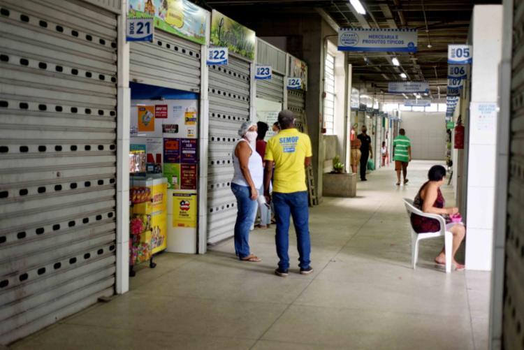 Todos os boxes devem disponibilizar álcool 70% para uso dos trabalhadores e clientes   Foto: Jefferson Peixoto   Secom - Foto: Jefferson Peixoto   Secom
