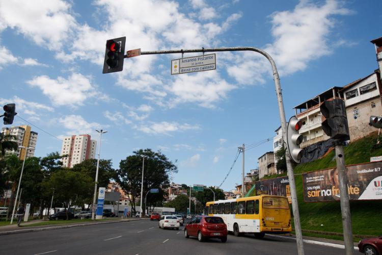 A manutenção de um semáforo custa R$ 7 mil   Foto: Jóa Souza   Ag. A TARDE - Foto: Jóa Souza   Ag. A TARDE