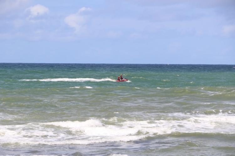 Homem teria entrado no mar para tentar salvar um jovem, que estava se afogando | Foto: Divulgação | CBMBA - Foto: Divulgação | CBMBA
