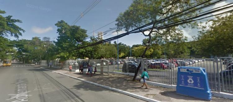 Foram instaladas 60 vagas de estacionamento de zona azul na Avenida Adhemar de Barros | Foto: Google Maps - Foto: Foto: Google Maps