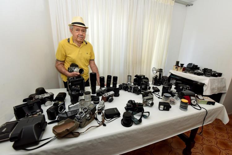 Com passagem pelo Grupo A TARDE, Lessa tem um acervo em torno de 80 mil fotografias | Foto: Divulgação - Foto: Divulgação