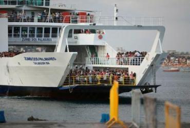 Justiça notifica concessionária do ferry para atender regras de combate à Covid-19 | Felipe Iruatã | Ag. A TARDE