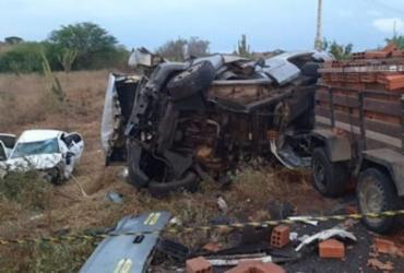 Acidente na BA 120 deixa três mortos e um ferido