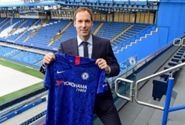 Aposentado, ex-goleiro Peter Cech é inscrito pelo Chelsea no Campeonato Inglês | Clive Howes | Chelsea FC