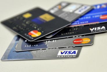 Juros do cheque especial sobem e taxas do rotativo caem em setembro | Marcello Casal Jr. | Agência Brasil