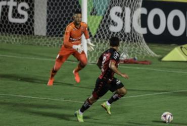 Vitória desperdiça chances, empata com o Brasil-RS e amplia jejum sem vencer | Uendel Galter | Ag. A TARDE