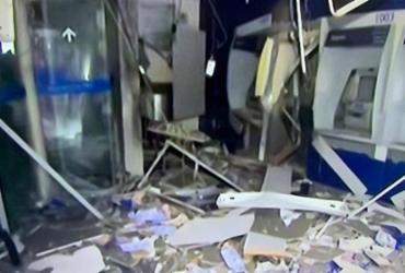 Ação criminosa destrói agência da Caixa em Fazenda Grande do Retiro | Reprodução | TV Bahia