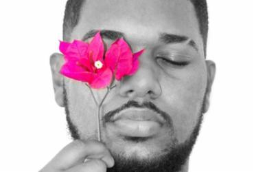 Cantor baiano Fernanndez lança novo álbum nesta sexta-feira |