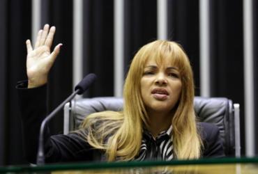 Juíza e advogado de Flordelis batem boca em audiência sobre assassinato do pastor Anderson |