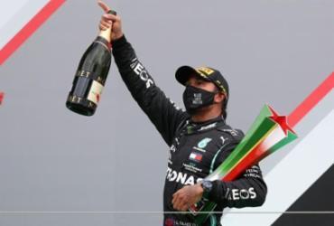 Hamilton vence em Portugal e quebra recorde de Schumacher com mais vitórias | AFP