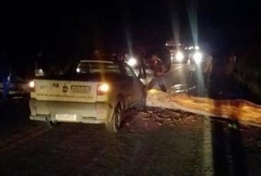 Temporal derruba árvore causando acidente em Itabela