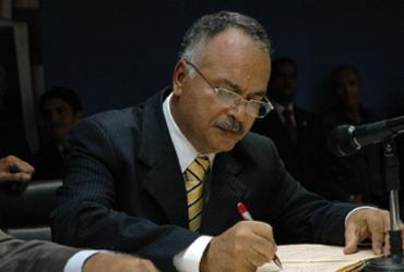 Secretário diz que recebeu ordem de comitê para limpar estradas onde irá passar carreata de Joaquim Neto