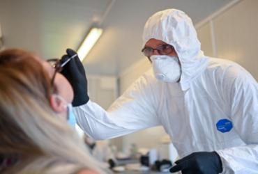 Quase 42,7 milhões de pessoas já foram contaminadas pela Covid-19 | Ina Fassbender | AFP