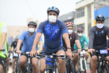 Durante pedalada, Bruno Reis diz que pretende ampliar rede cicloviária de Salvador   Betto Jr.