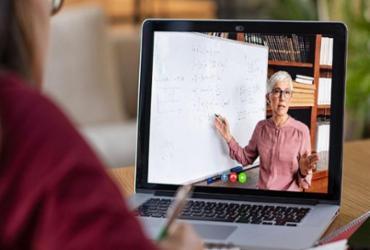 Pesquisa mostra que professores brasileiros têm maior confiança para ensino remoto | 123RF