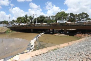 Rui entrega passarela na RMS e anuncia recuperação de 10 km da Estrada do Coco