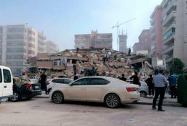 Grave terremoto mata 6 e deixa mais de 100 feridos na Turquia | Foto: DHA via AP
