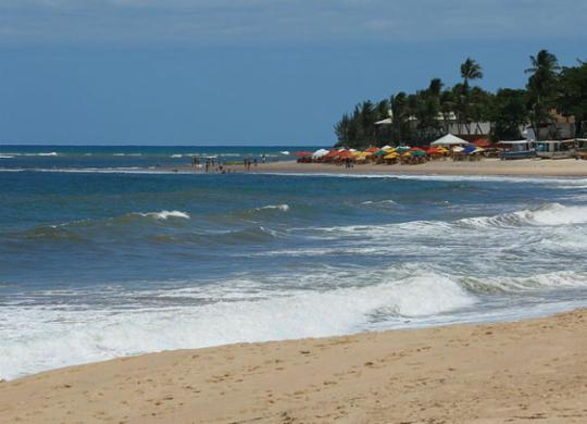 Flexibilização atrai público para o litoral norte e aumenta busca por imóveis   Rafael Martins   Ag. A TARDE