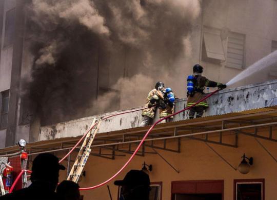 Incêndio em hospital no Rio de Janeiro deixa ao menos 2 mortos | Tânia Rêgo | Agência Brasil