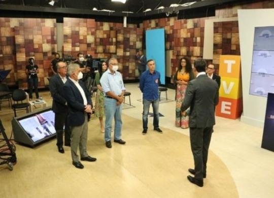 Ausência de Colbert é atacada por candidatos em debate da TVE | Divulgação | IRDEB