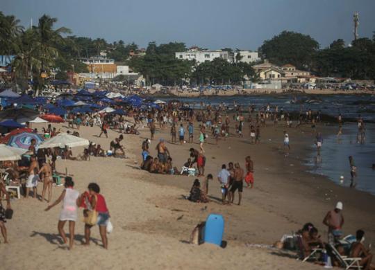 Prefeitura avalia liberação das praias aos sábados e projeta modelo para festas populares | Raphael Müller / Ag. A TARDE